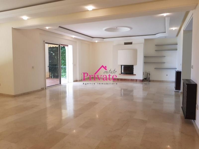 Location,Appartement 458 m² Terrasse du golf,Tanger,Ref: LA464 5 Bedrooms Bedrooms,4 BathroomsBathrooms,Appartement,Terrasse du golf,1641