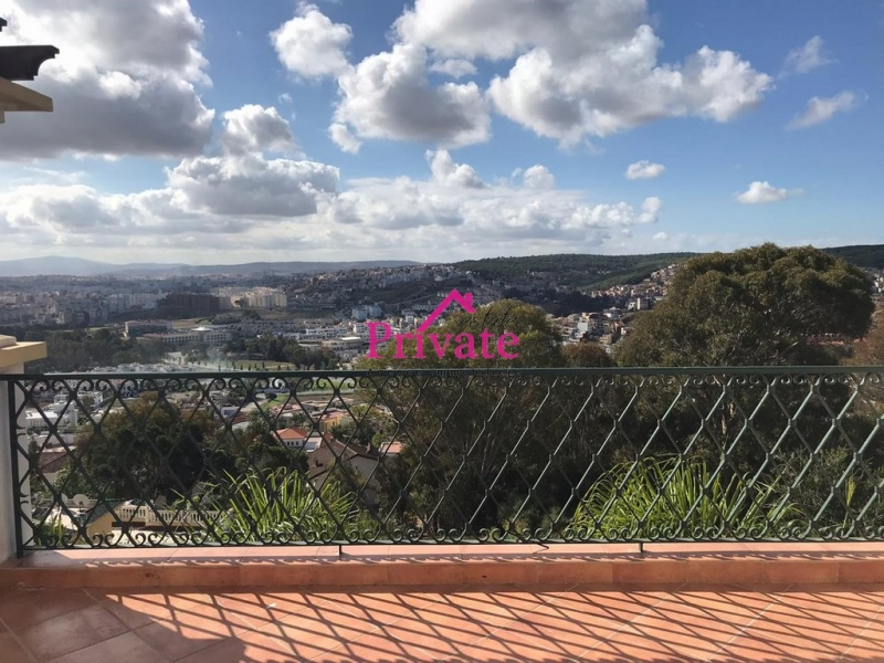 Location,Appartement 300 m² TERRASSE DU GOLF,Tanger,Ref: LA495 4 Bedrooms Bedrooms,3 BathroomsBathrooms,Appartement,TERRASSE DU GOLF,1697