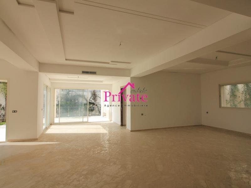 Location,Villa 1090 m² JBEL KBIR,Tanger,Ref: LG504 4 Bedrooms Bedrooms,4 BathroomsBathrooms,Villa,JBEL KBIR,1709