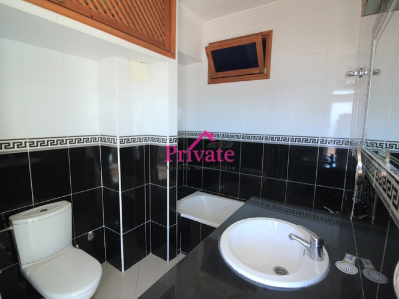 Location,Appartement 106 m² AVENUE MOULAY YOUSSEF,Tanger,Ref: LA526 2 Bedrooms Bedrooms,2 BathroomsBathrooms,Appartement,AVENUE MOULAY YOUSSEF,1742