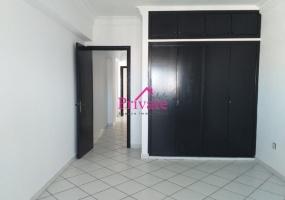 Location,Appartement 240 m² ,Tanger,Ref: LA455 4 Bedrooms Bedrooms,2 BathroomsBathrooms,Appartement,1615